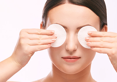 Cosmetic cotton eye pads